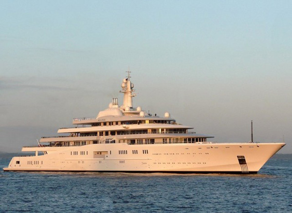 Worlds Largest Yacht Eclipse Delivered to Abramovich