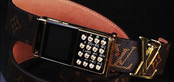 Louis-Vuitton-Belt-Buckle-Cellphone-1