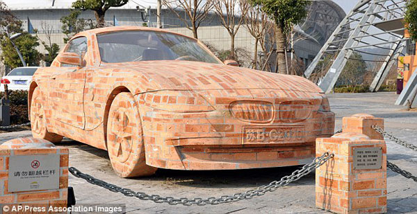 The Bmw Z4 Made Entirely Out Of Bricks Extravaganzi
