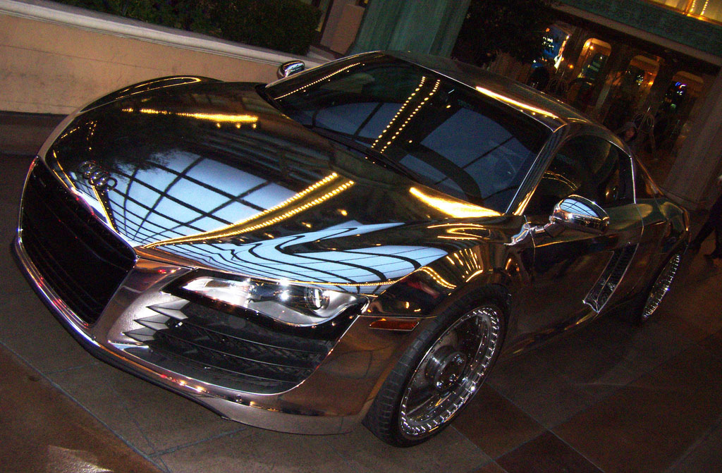 Мегаспорткар Monster Cable Tron Audi R8