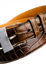 """TES Announces the Limited Edition """"Artigiano"""" Series of Hand Hammered Damascus Steel and Alligator Belts"""