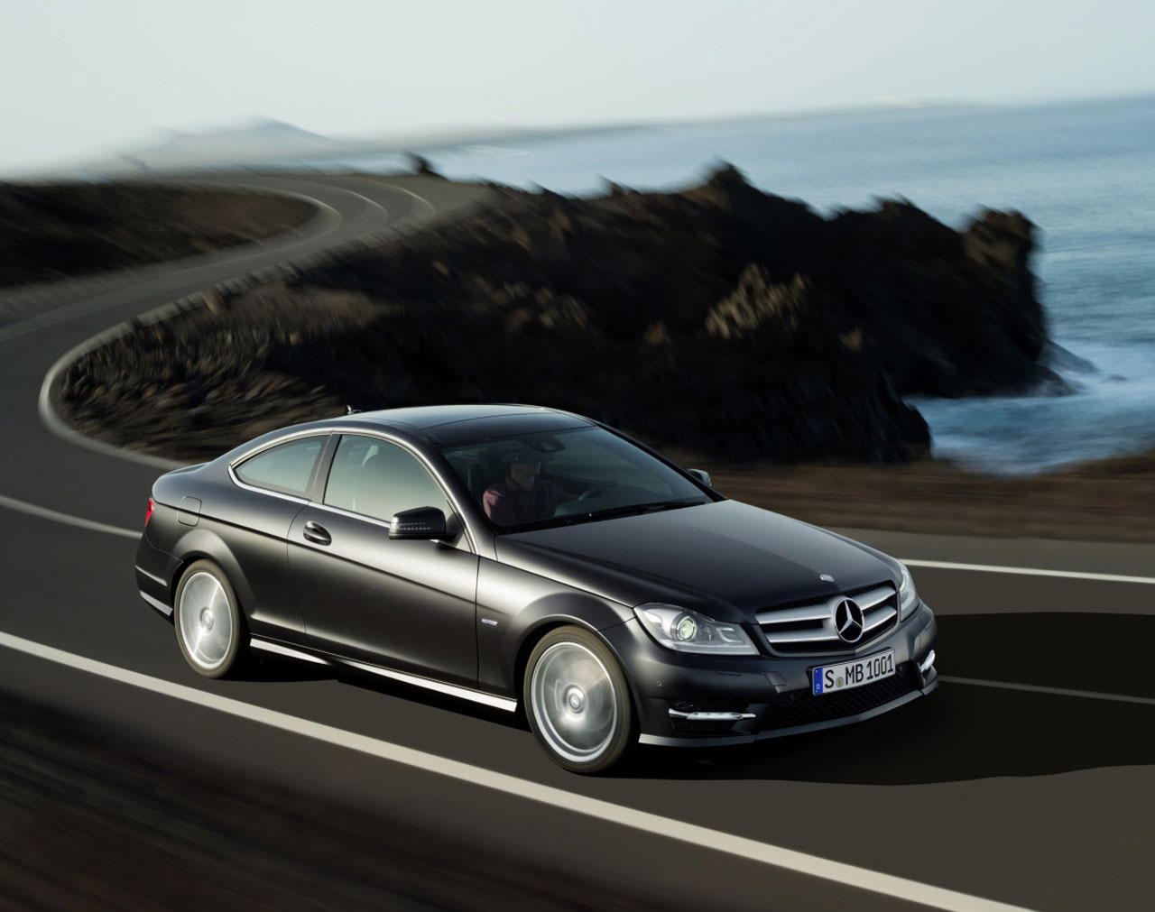2012 mercedes benz c class coupe officially revealed for Mercedes benz clk 2012