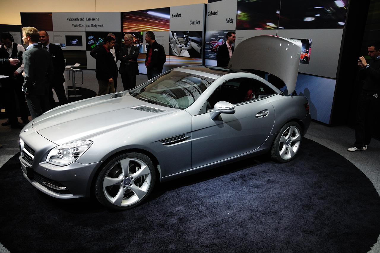 Mercedes benz took the wraps of new 2012 slk roadster for New mercedes benz slk