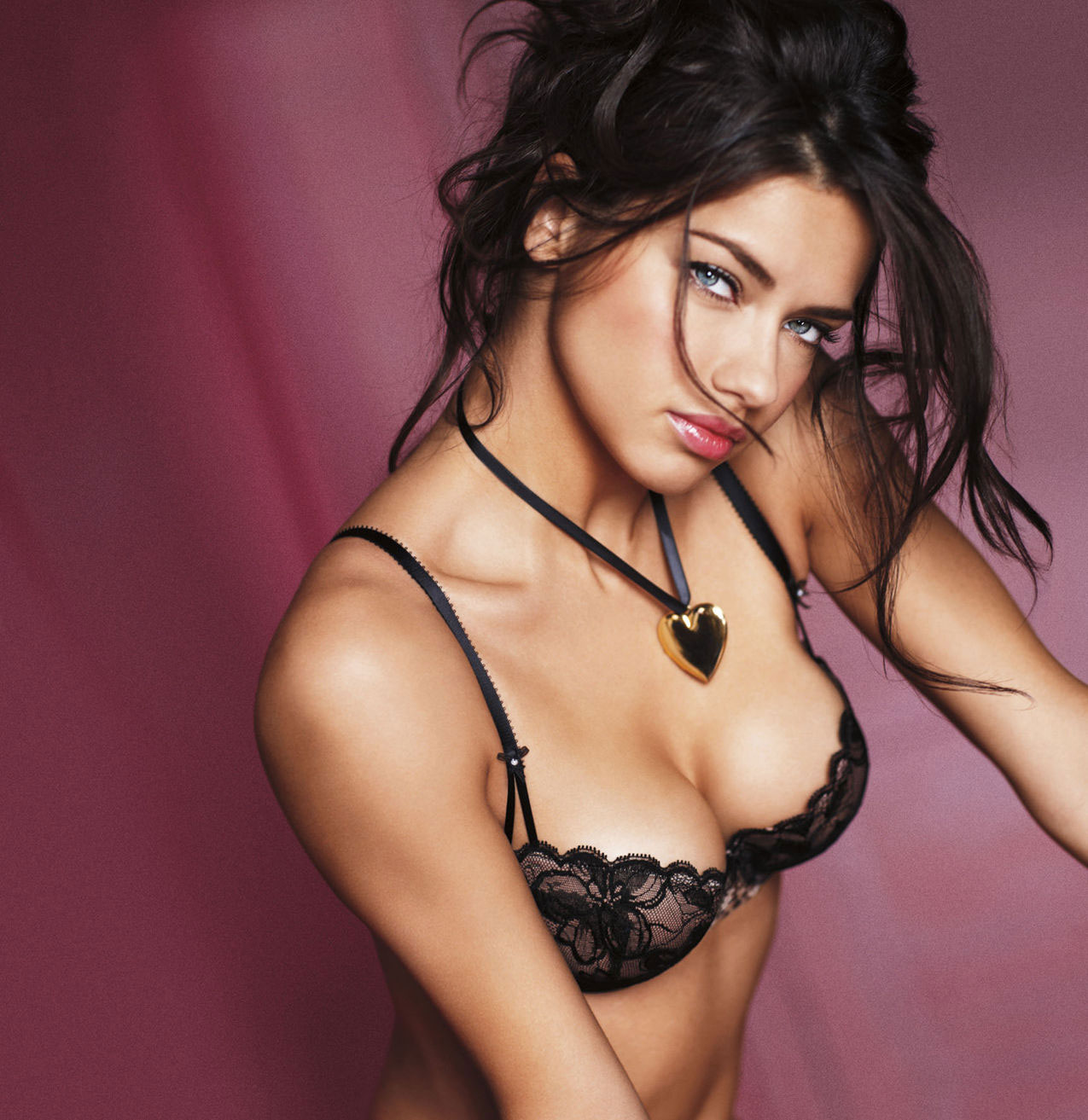 Victoria's Secret Love Me Collection – Hottest Gift Ideas for the Valentine's Day