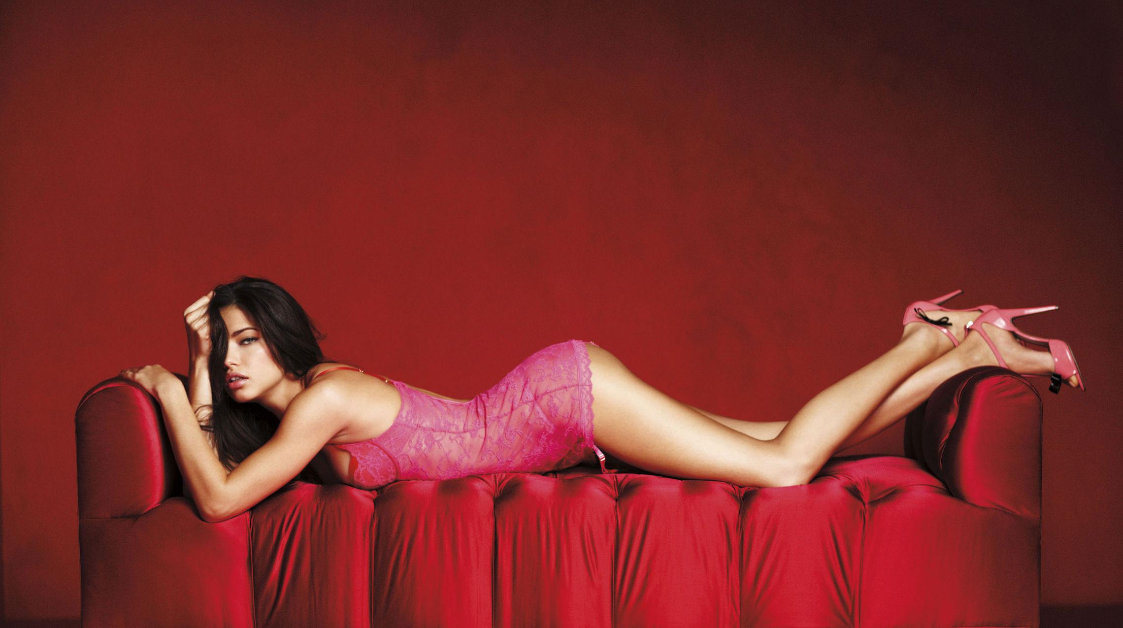 Adriana Lima – Victoria's Secret Love Me Valnetine's Day Campaign