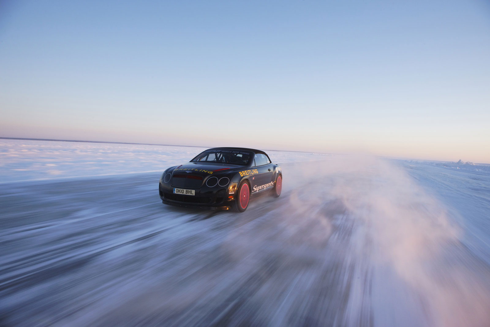 Bentley Supersports Convertible on the Ice Track