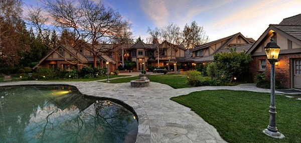 Britney Spears' Hidden Hills Luxury Mansion