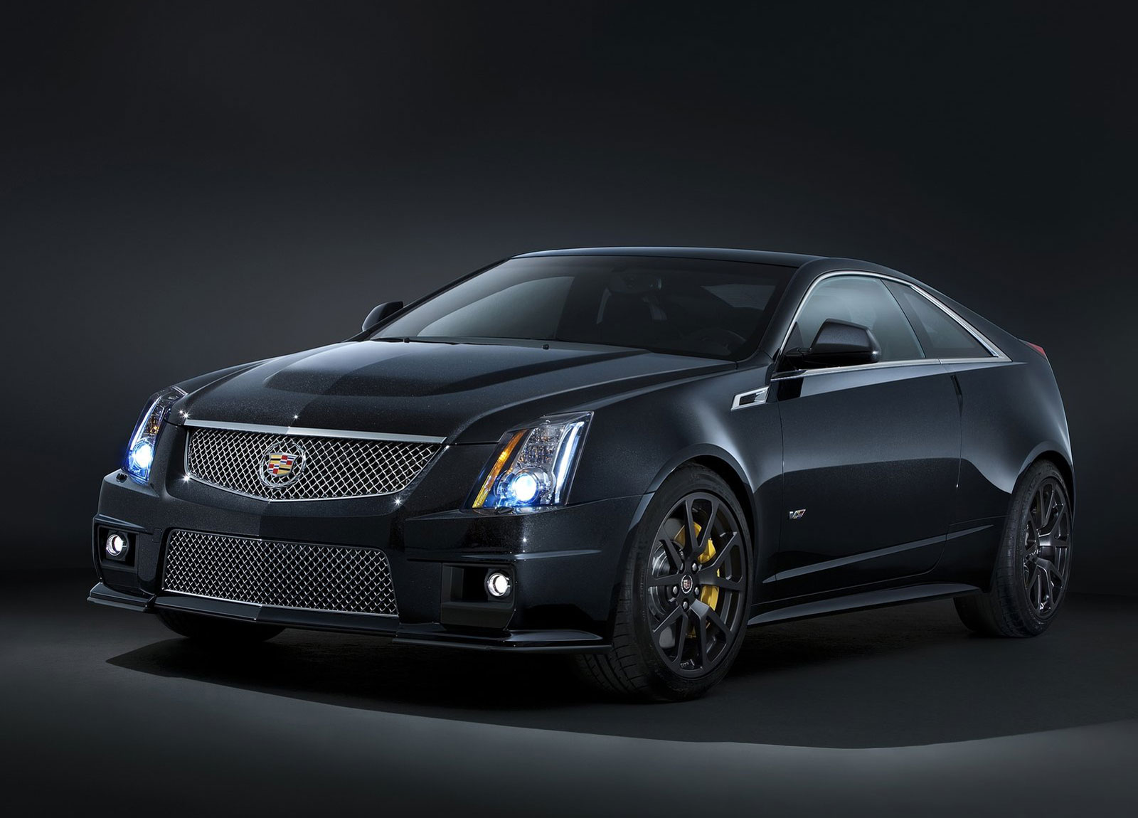 Cadillac CTS-V Black Diamond Edition Adds a Diamond-like Finish to Cadillac V-Series