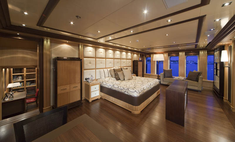 Luxury Yacht Sirius