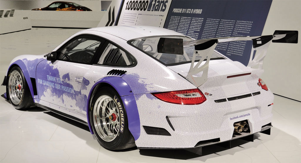 Porsche 911 GT3 R Hybrid Facebook Edition