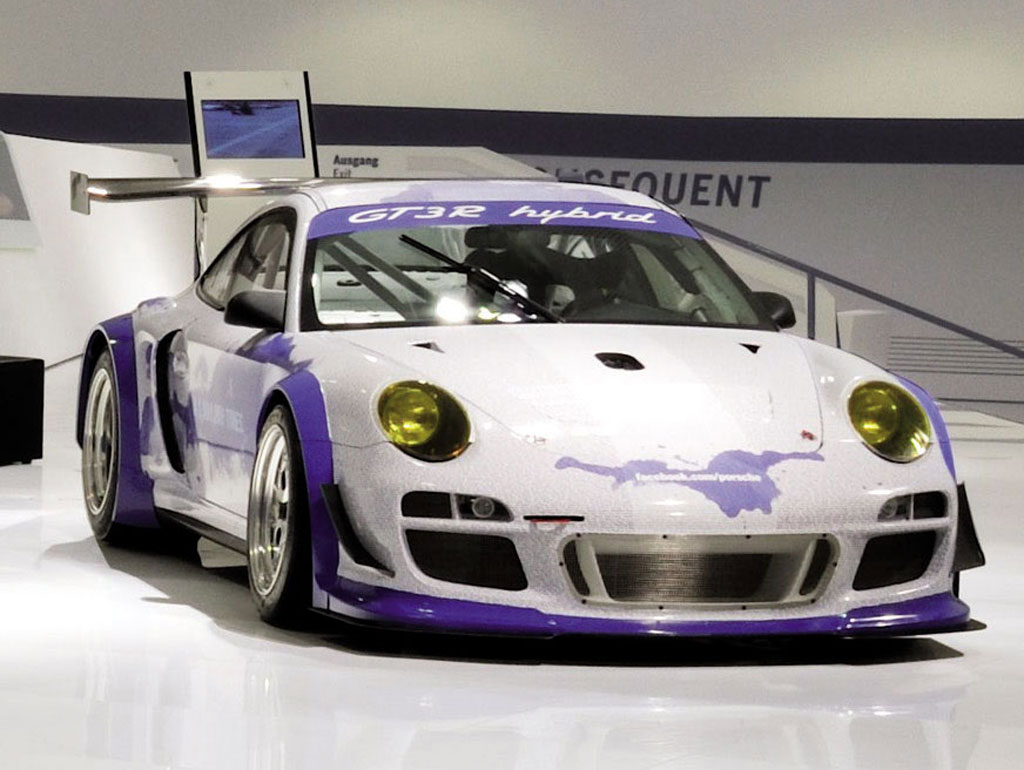 Porsche 911 GT3 R Hybrid Facebook Edition Celebrate the 1 Millionth Facebook Fan