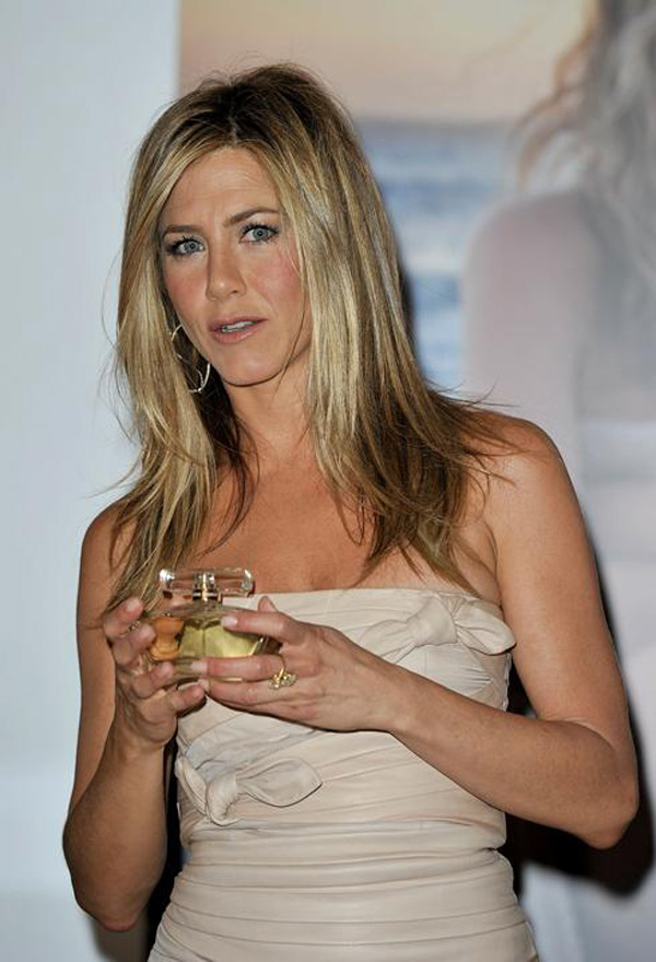 Jennifer Aniston Perfume Now on Sale at Sephora