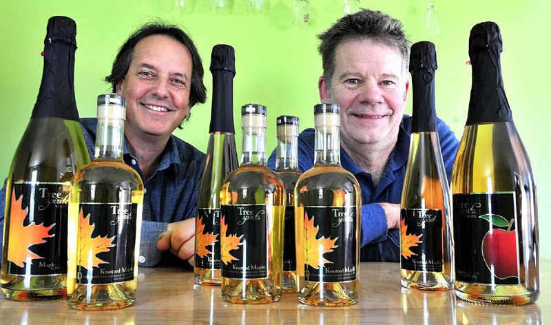 Knotted Maple – Stunning Maple Syrup