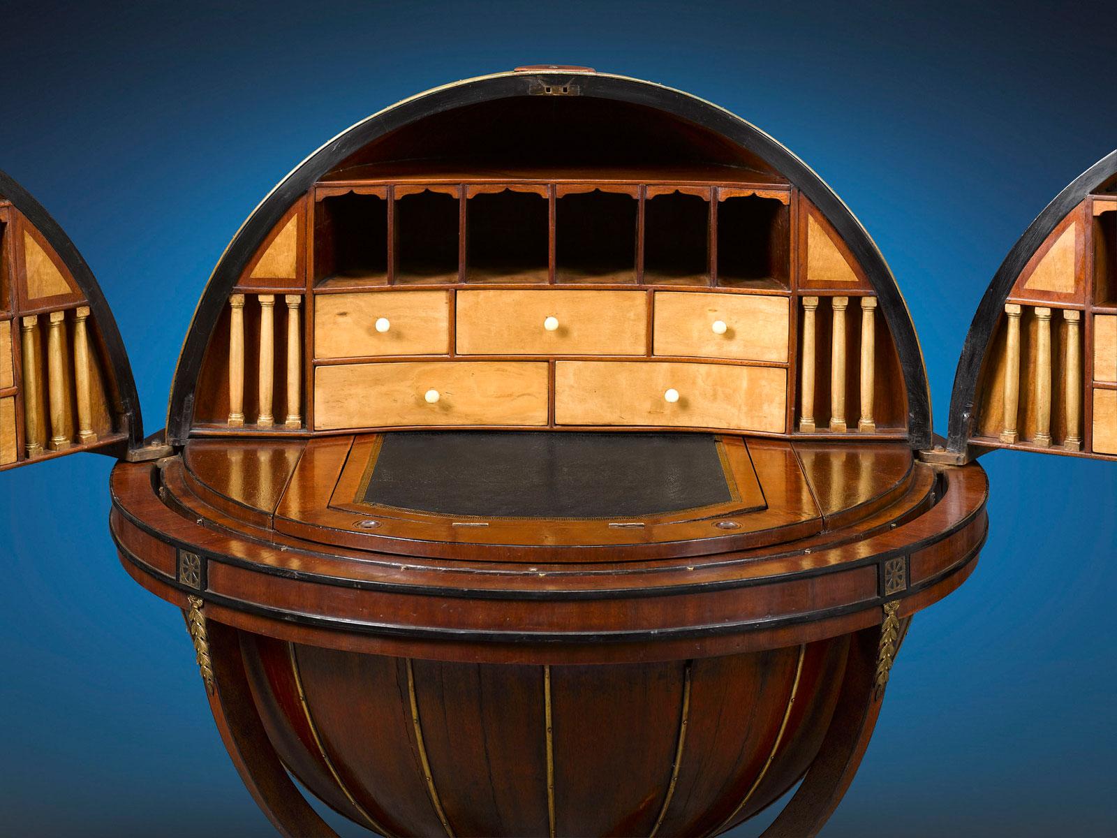 1810 English Globe Writing Desk