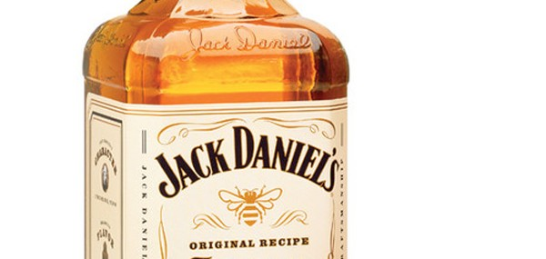 Jack-Daniel's-Tennessee-Honey-Whisky-1