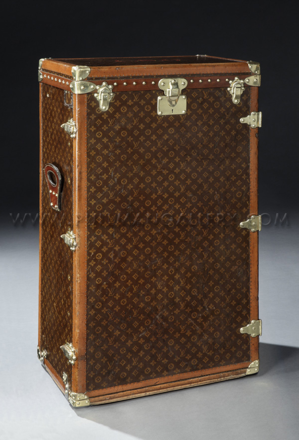 07cb15f4e1ca Louis Vuitton Shoe Trunk From 1920s Sold For  68