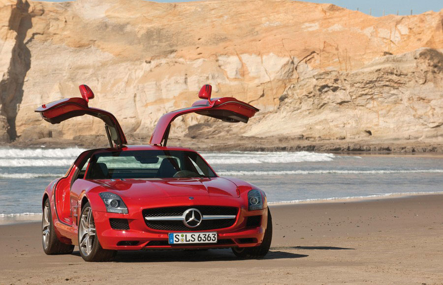 Mercedes Benz SLS AMG