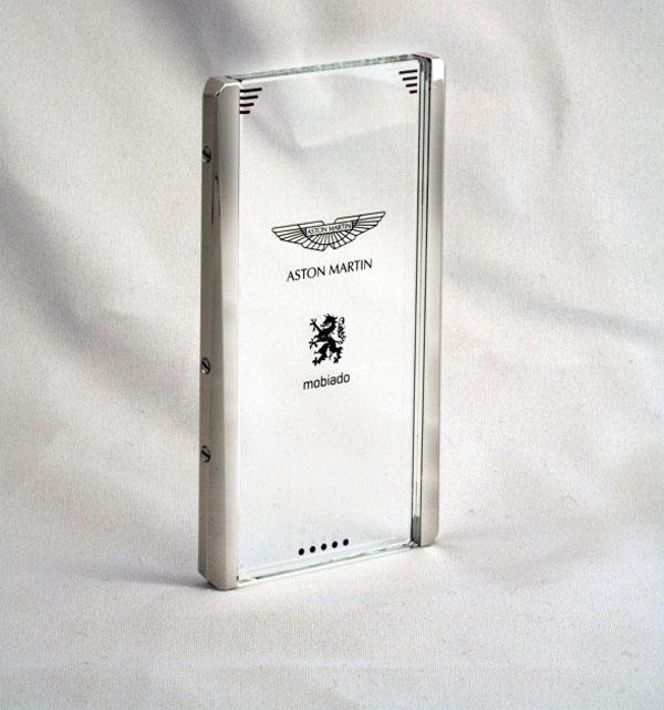 Mobiado-CPT002-Aston-Martin-concept-phone-3