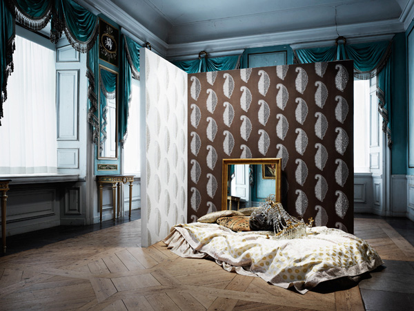 Swarovski Elements Launched First Range Of Wallpapers