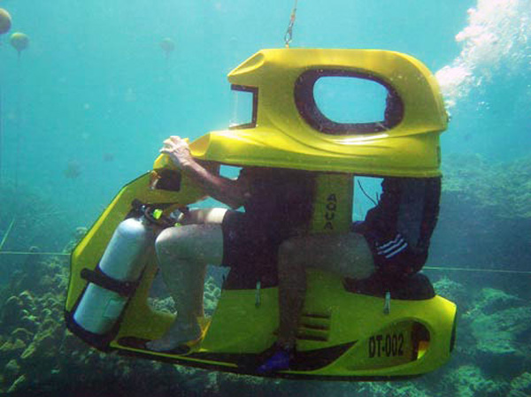 Aqua Star's Underwater Scooters for Two