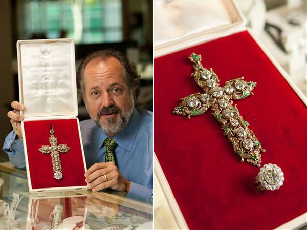 Papal Jewelry Headed for eBay