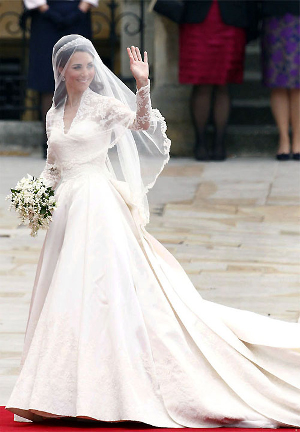 Sarah Burton Designed Kate Middletons Wedding Dress