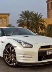 Nissan GT-R VVIP – $220,000 Gold-plated Nissan for Very Very Important People