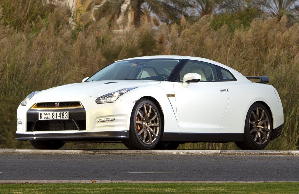 Nissan GT-R VVIP - $220,000 Gold-plated Nissan for Very ...