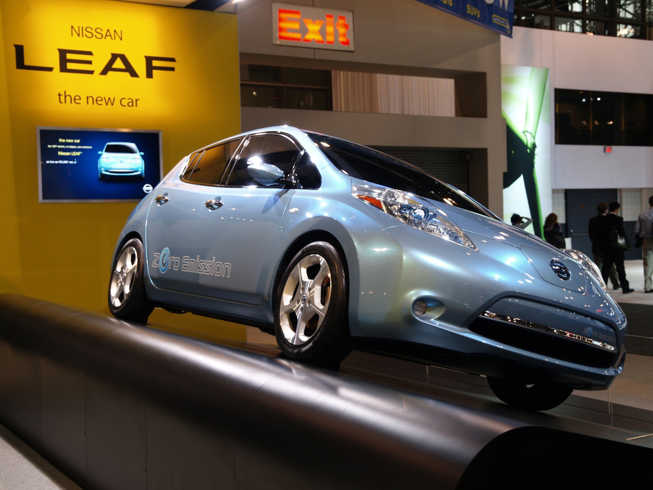 Nissan LEAF Wins 2011 World Car of the Year