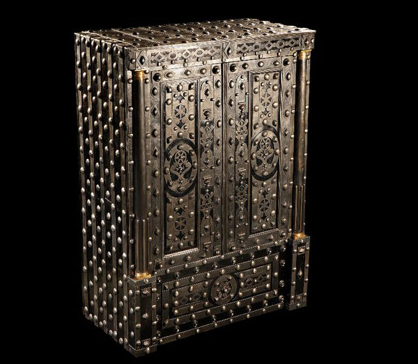 Dottling Has Unveiled The Buonaparte – 200 Year-old Restored Luxury Safe