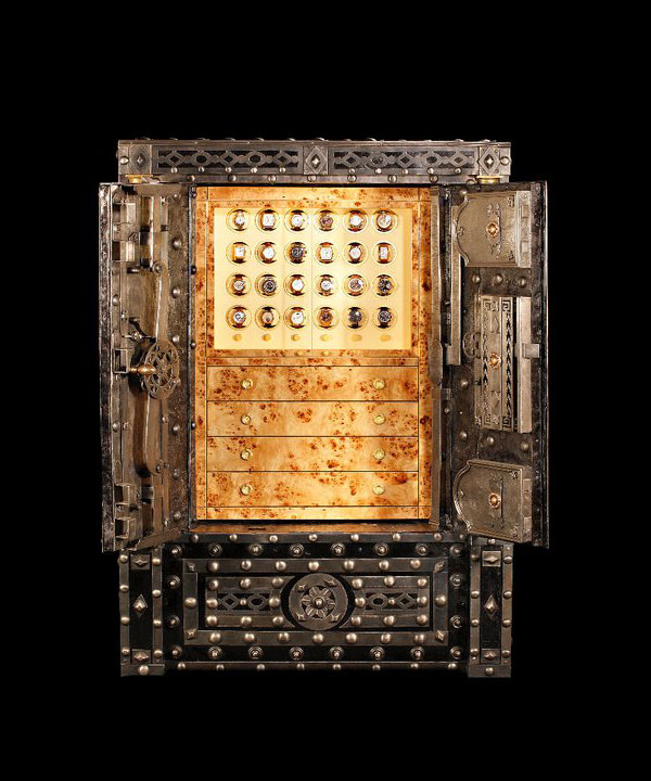 An 18th century safe - The Buonaparte by Döttling