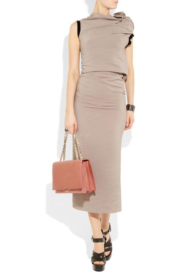 Victoria Beckham's New Hexagonal Chain Shoulder Bag