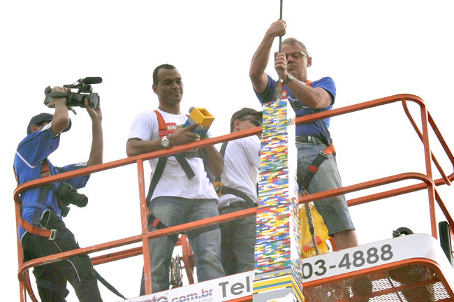 former footballer Cafu attached the final piece of what is now recorded as the world's largest Lego tower
