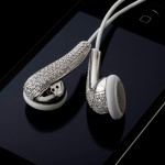 Amosu Couture Offers Swarovski Crystal Apple Headphones