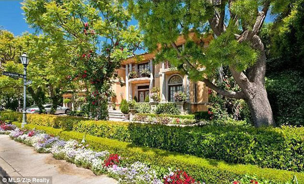 Charlie Sheen's Sherman Oaks Home