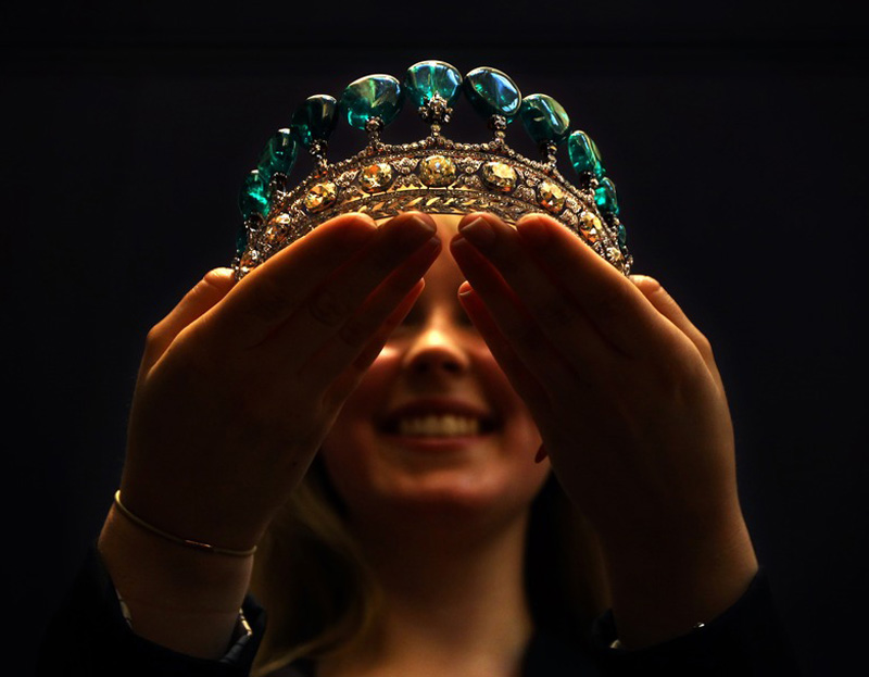 Magnificant and Rare Emeral and Diamond Tiara sold for $11.3 million