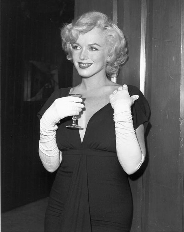 Marilyn Monroe in Black Cocktail