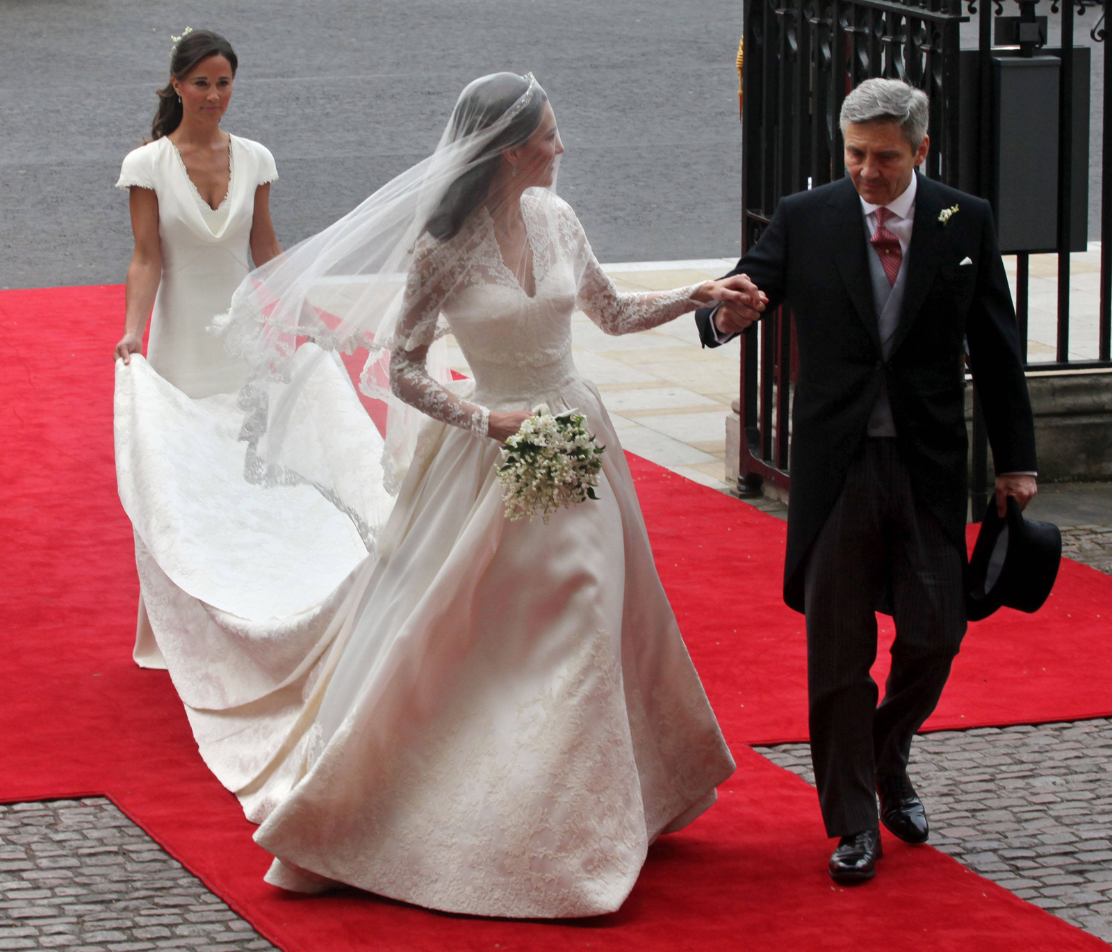 Kate Middletons Bridal Gown To Go On Public Display