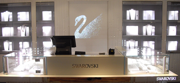 The Swarovski boutique on the Mein Schiff 2 is in a prominent location at the Neuer Wall mall on deck 7
