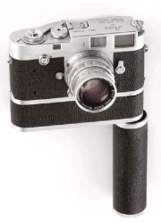 1923 Leica 0-series Camera Sells for $1.9 Million