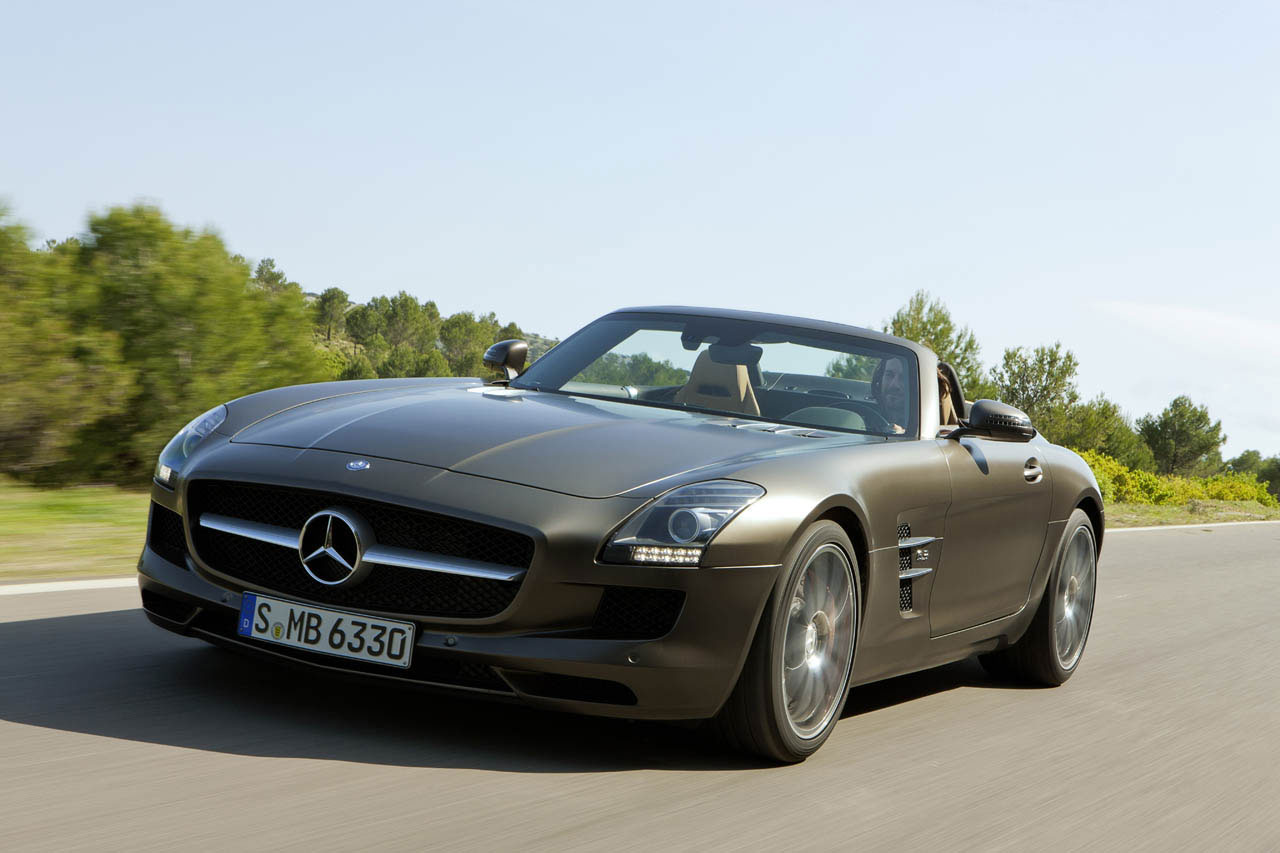 mercedes benz sls amg roadster finally unveiled extravaganzi. Black Bedroom Furniture Sets. Home Design Ideas