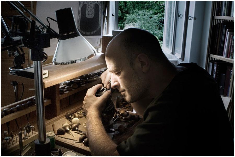Urwerk UR-103 Phoenix Watch hand-decorated by master engraver maker Jean-Vincent Huguenin