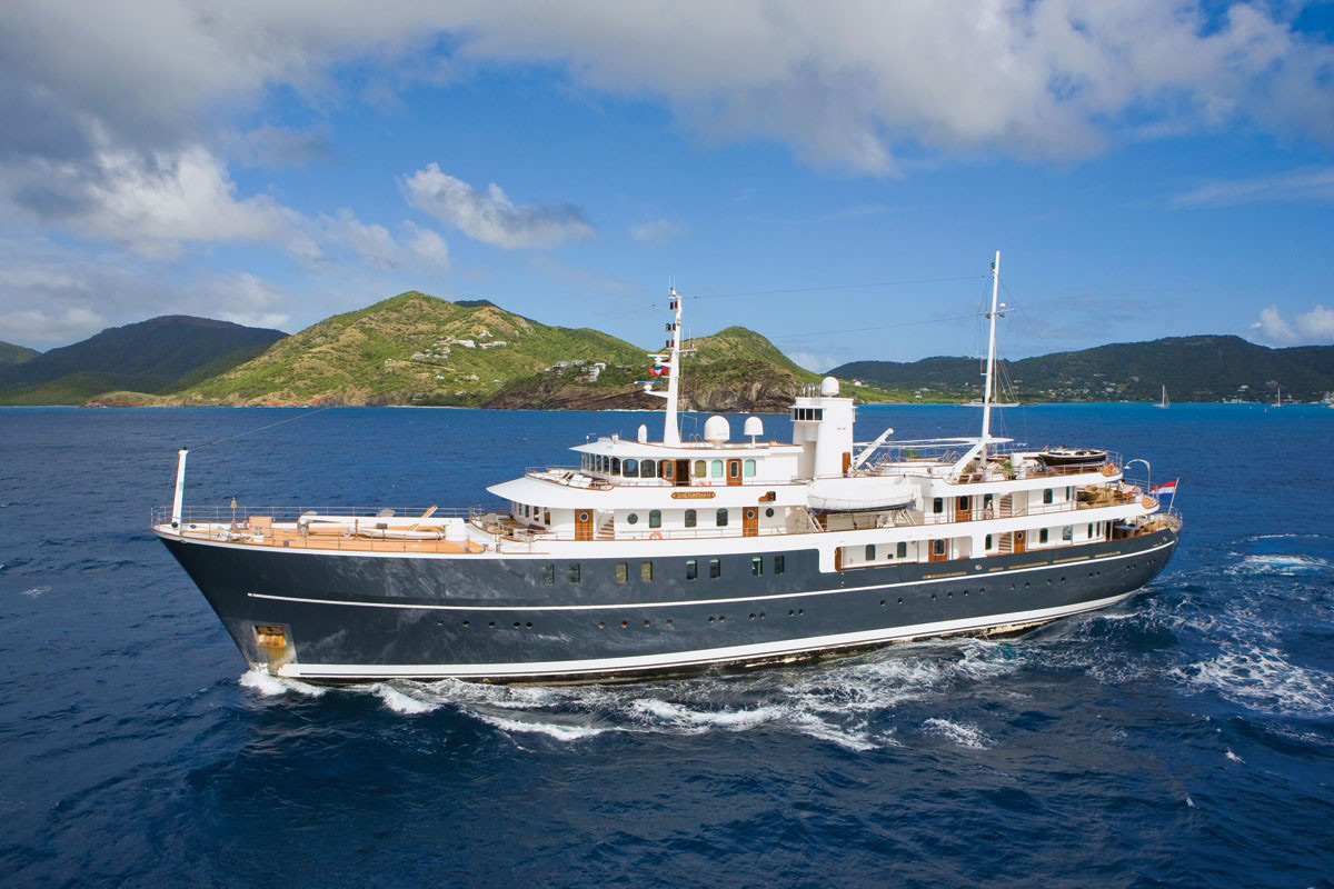 50 Ft_ Yachts http://www.extravaganzi.com/sherakhan-superyacht-on-sale-for-50-million/