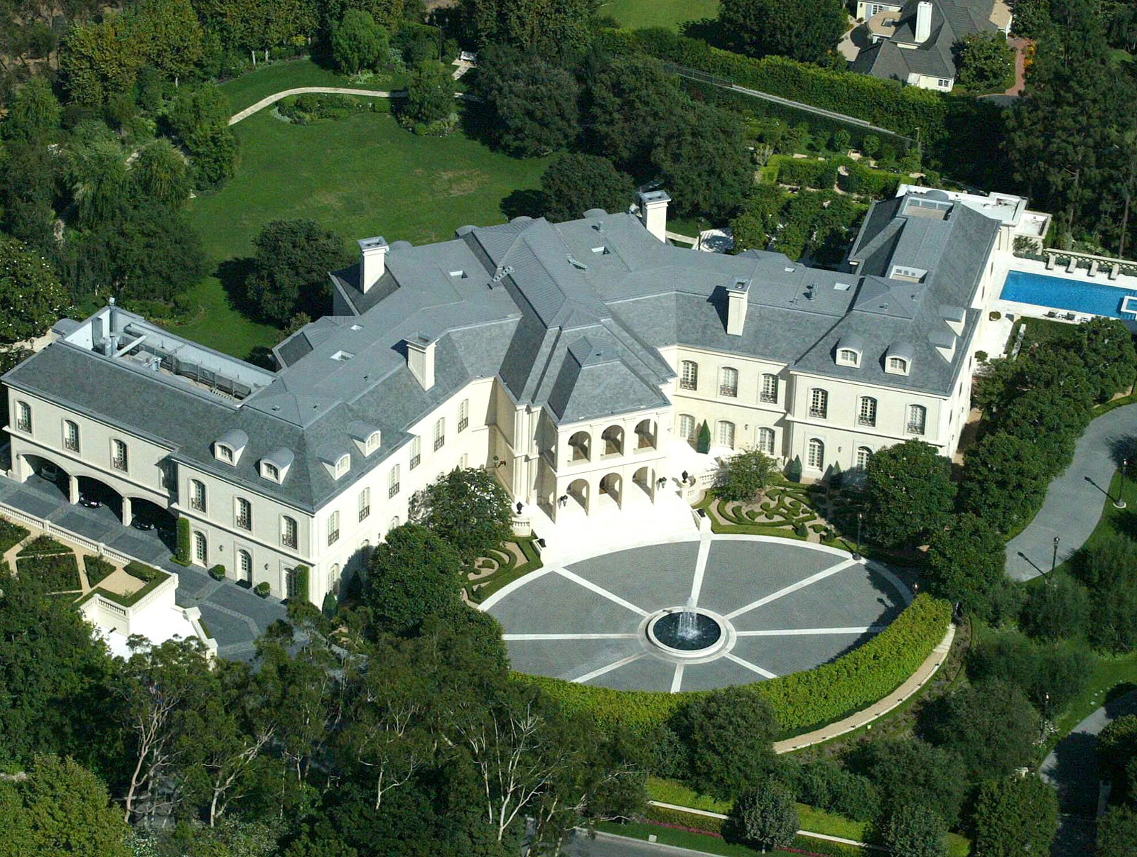Top 10 most expensive homes in the world club delux for Most luxurious house