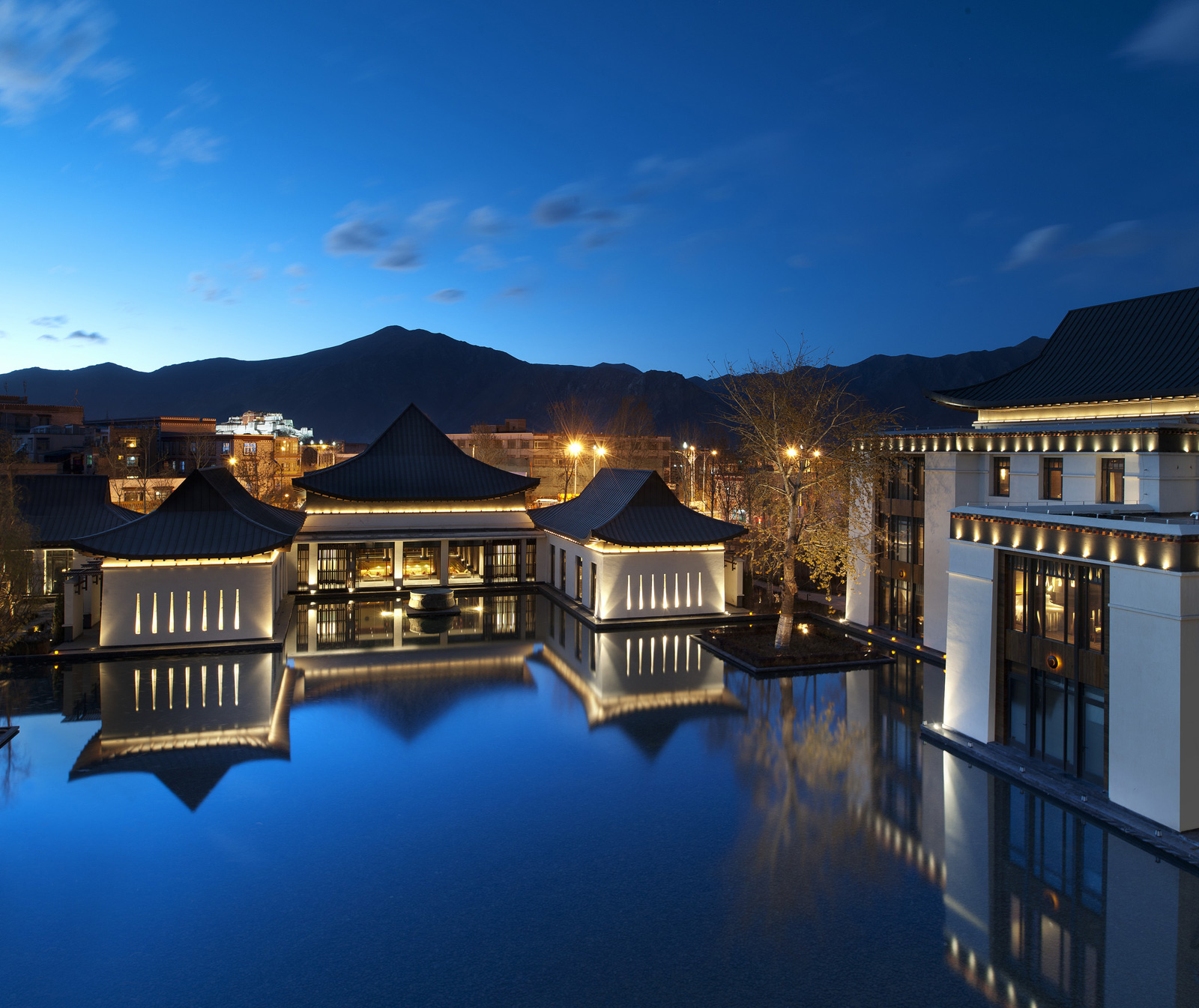 St regis lhasa tibet 39 s first five star hotel extravaganzi for Top hotels worldwide