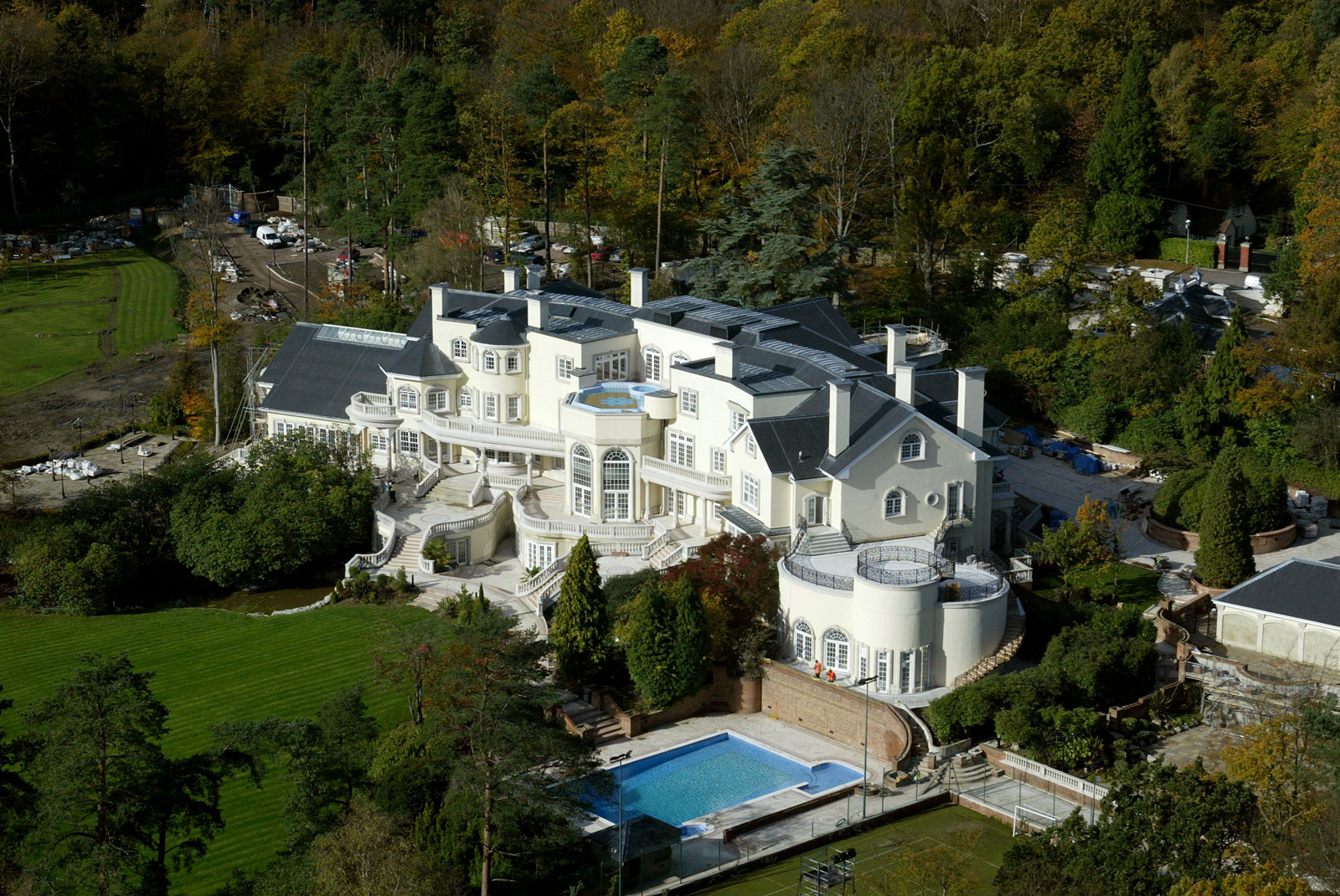 Updown court most expensive home in britain on sale for for Most luxurious house