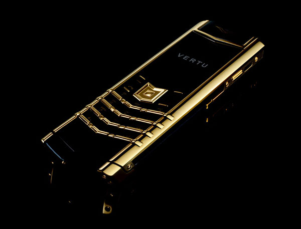 Vertu Introduced Its Gold Plated Signature Precious Phone