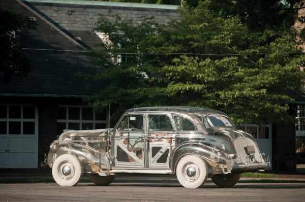 1939 Pontiac Plexiglas Deluxe Six Ghost Car