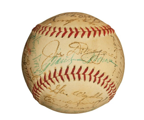 1952 New York Yankees Team Signed Baseball with Joe DiMaggio &amp; Marilyn Monroe, Kissed by Marilyn!