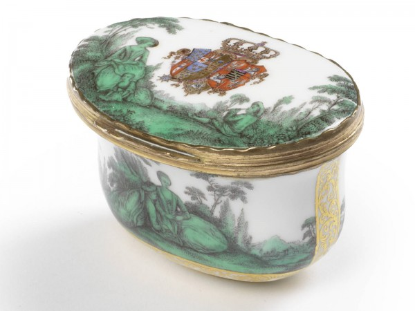 A Meissen box with Watteau green for Queen Marie Amalie Christiane
